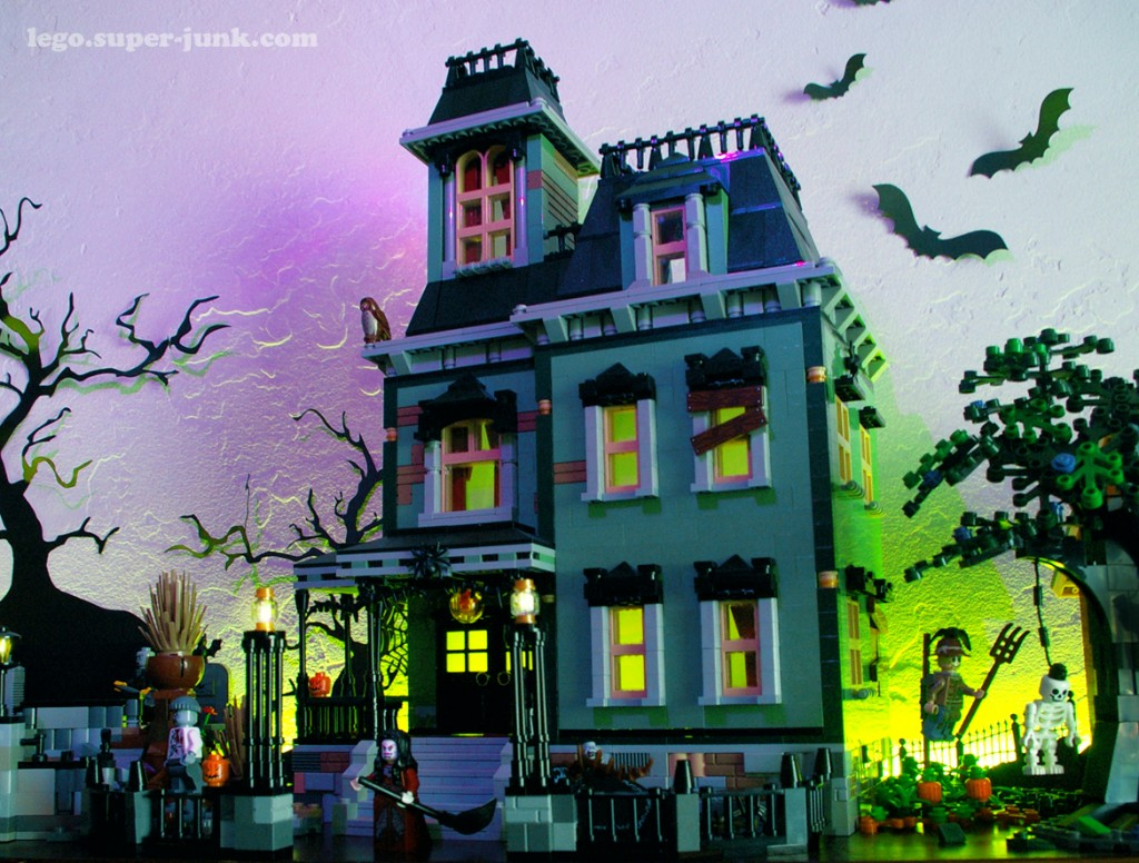 Haunted Mansion MOC by Super-Junk